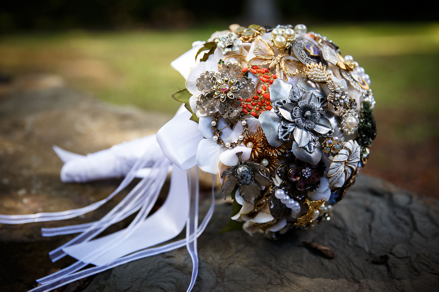 brooch bouquet annapolis wedding photographer