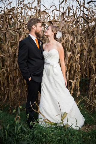 corn field wedding maryland wedding photographer