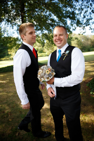 groomsmen bouqet photo baltimore wedding photographer