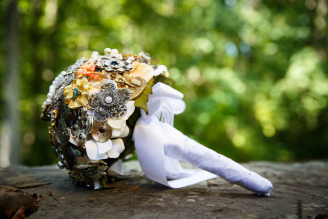 vintage brooch wedding bouquet