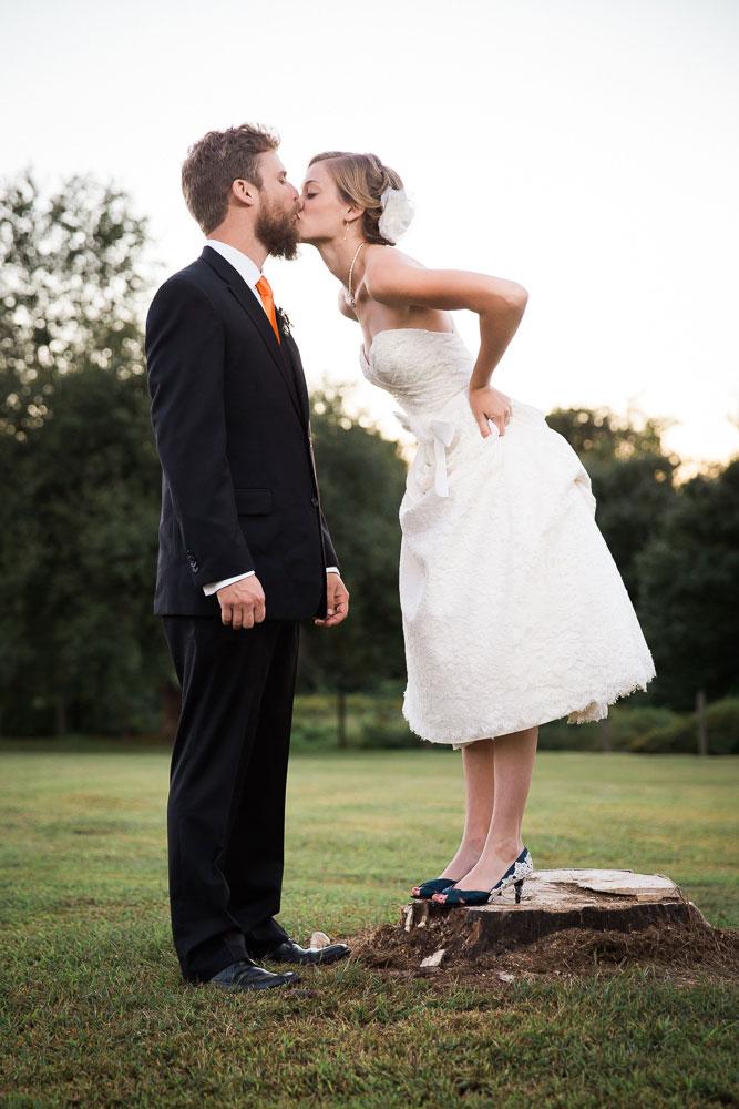 wedding kiss maryland wedding