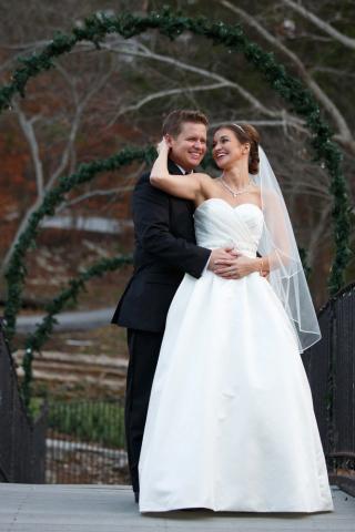 bride and groom christmas wedding